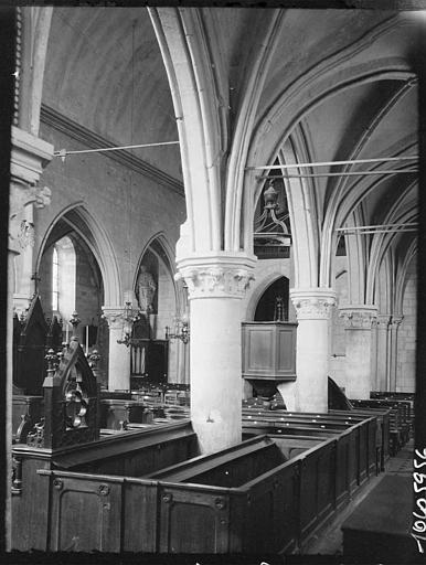 Intérieur : la nef, piliers et voûtes