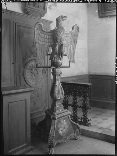 Lutrin orné d'un aigle royal