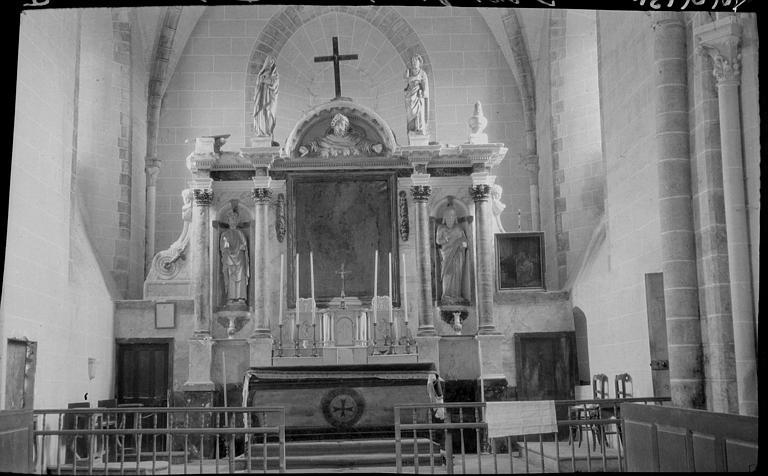 Intérieur : autel Renaissance