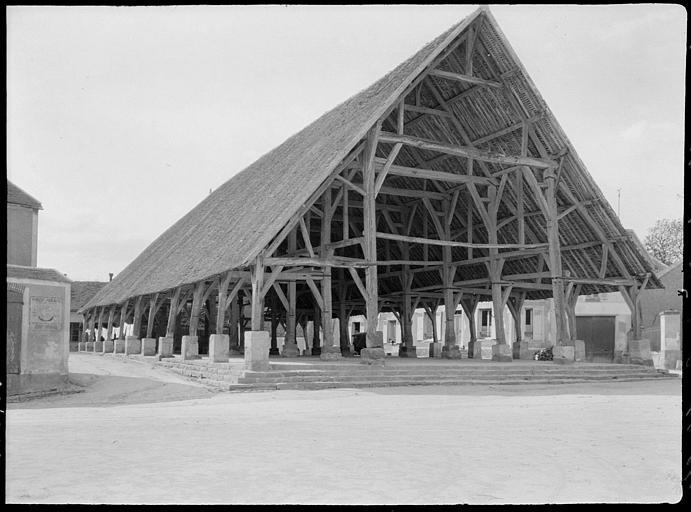Vue d'ensemble : toiture et charpente apparente