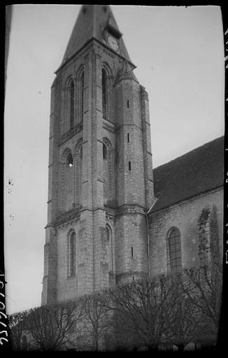 Clocher et façade latérale
