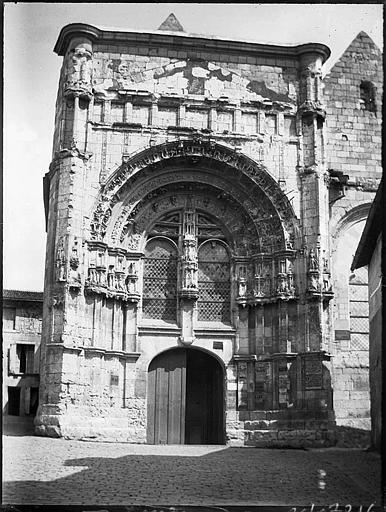Portail Renaissance ouest