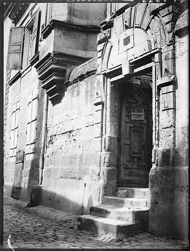 Porche et escalier extérieur