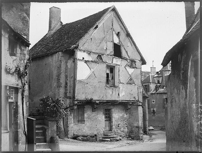 Maison ancienne dans le bourg