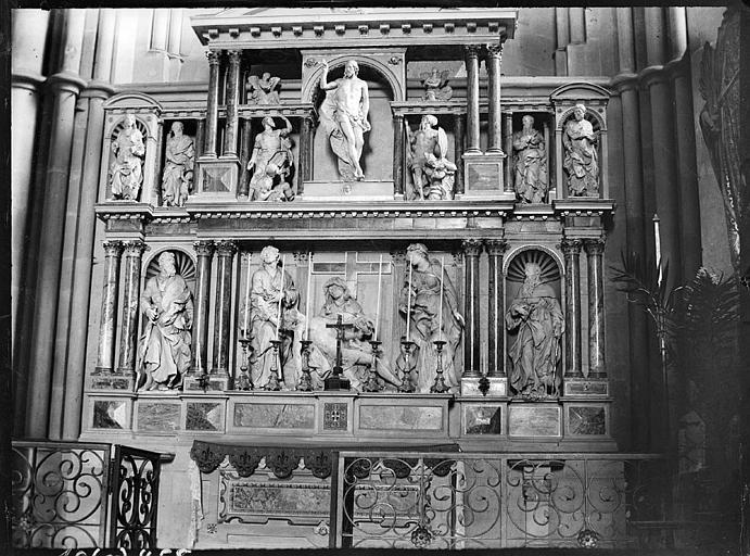 Intérieur : retable, Mise au tombeau, dans la chapelle du Rosaire