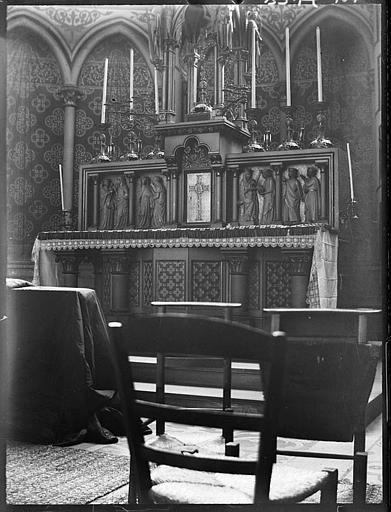 Intérieur : autel