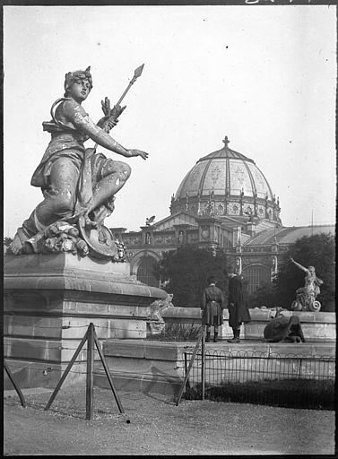 Ensemble, bassin et statues