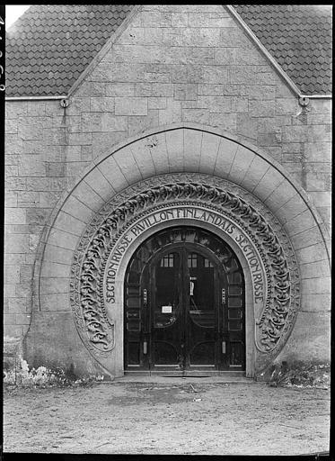 Porte : 'section russe, pavillon finlandais'