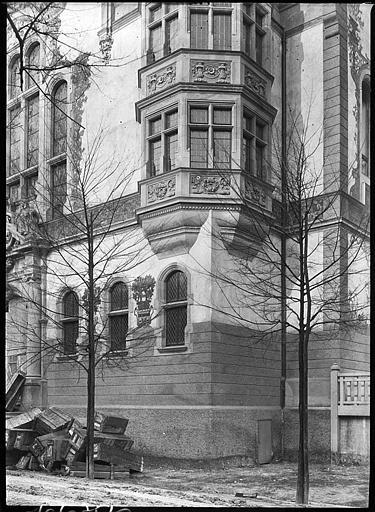 Oriel sur façade