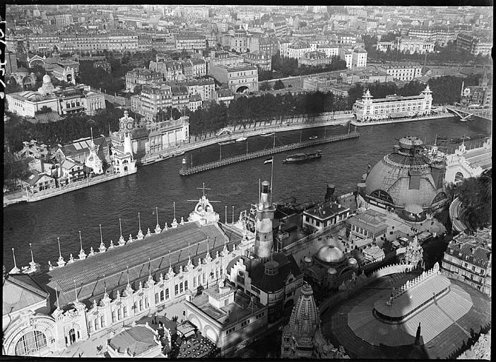 Vue aérienne des pavillons le long de la Seine
