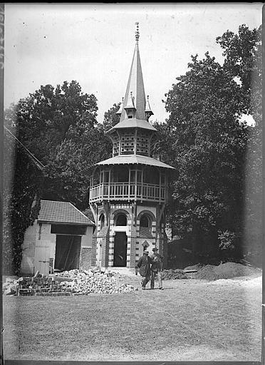 Construction d'un nouveau pavillon : clocher