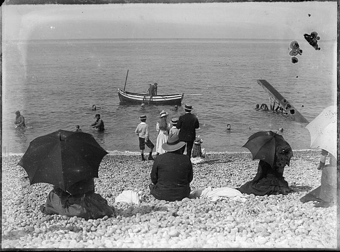 Touristes sur la plage