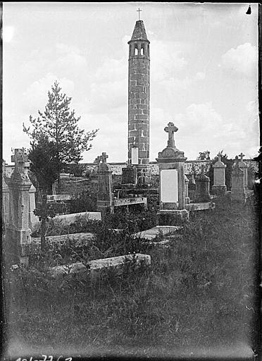 Vue d'ensemble au milieu du cimetière