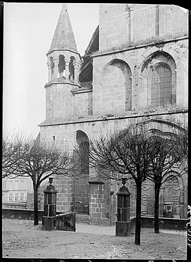 Façade ouest : lanternon du clocher carré