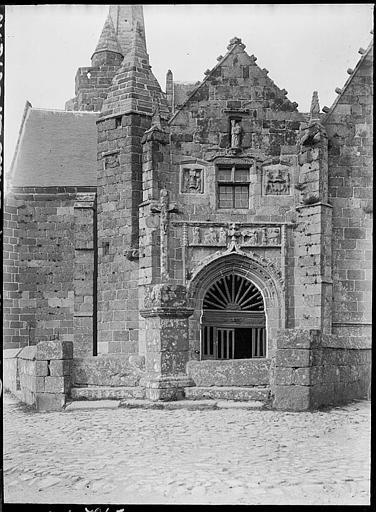Façade sud, portail
