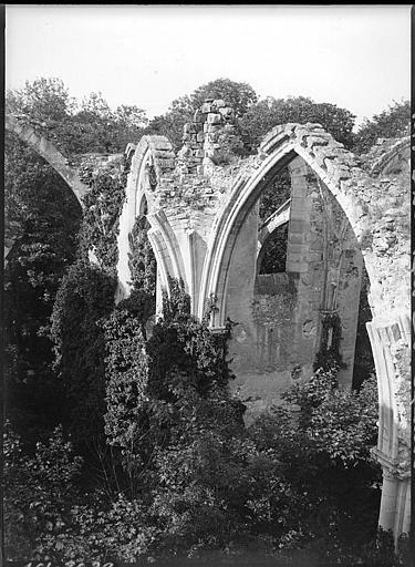 Ruines : arcature