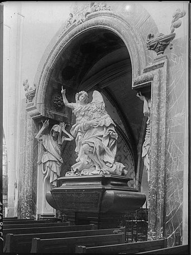 Monument funéraire en marbre de Monsieur de la Vrillière