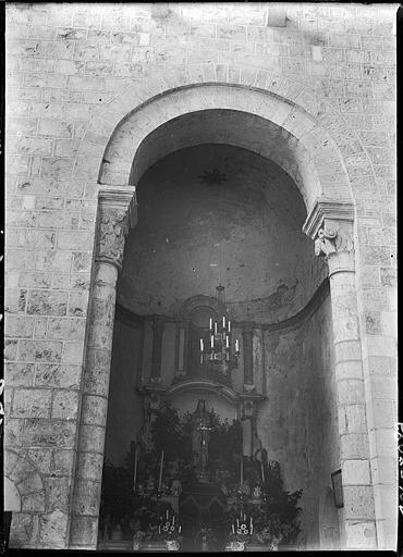 Chapelle absidiale : autel