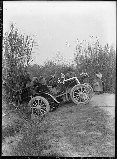 Accident automobile sur la route des Baux à Avignon