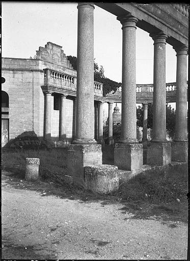 Péristyle, détail des colonnes
