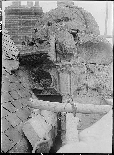 Pinacle de lucarne avant restauration