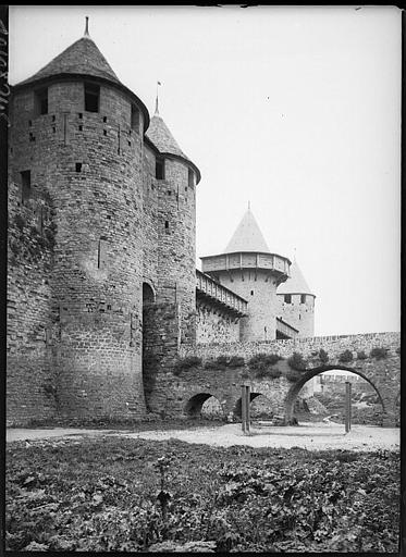 Fortifications, tours et pont