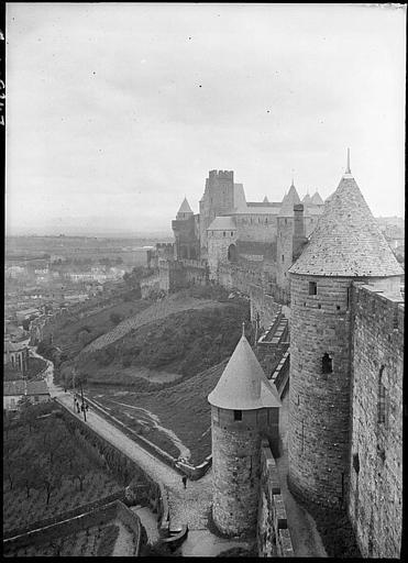 Fortifications, vue en contre plongée