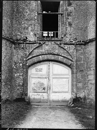 Châtelet d'entrée : portail