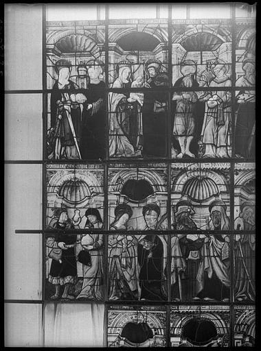Intérieur : vitrail pendant la restauration
