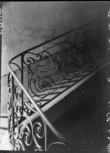 Rampe d'escalier en fer forgé, appartement de la Chambre des Notaires