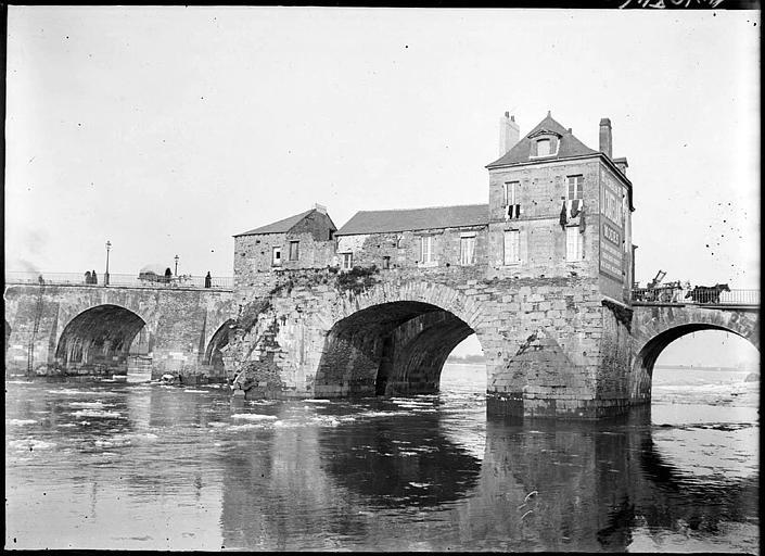 Détail des arches, maison sur le pont