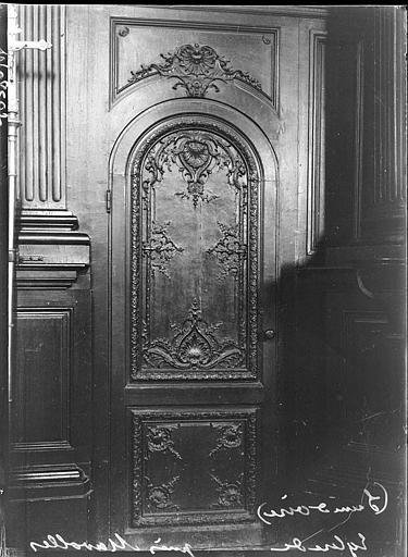 Intérieur : boiseries sculptées