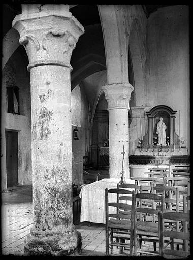 Intérieur : la nef, piliers, statue