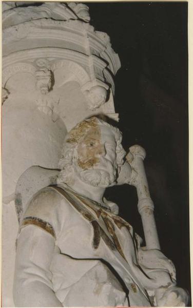 Statue: saint Jacques le majeur, vue partielle