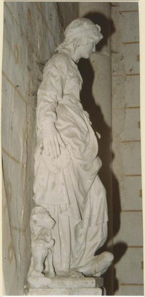 Statue : saint Brigitte, profil droit, vue générale