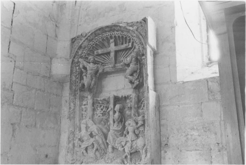 Haut-relief : Crucifixion, vue générale