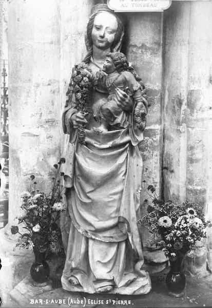 Statue : Vierge à l'Enfant au bouquet