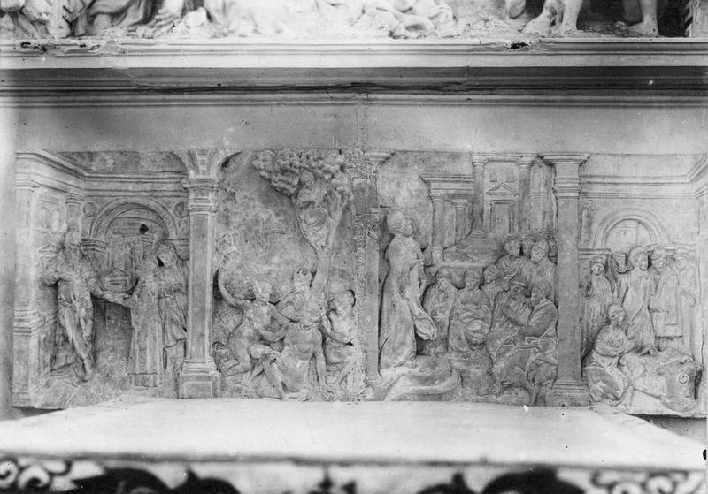 Maître-autel et retable : Passion du Christ, vie de saint Laurent