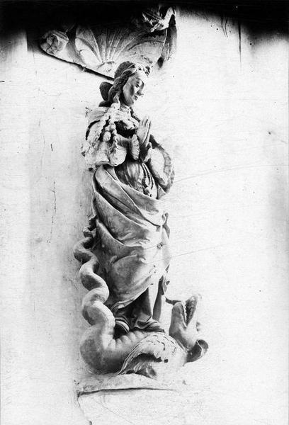 Statue : Sainte Marguerite