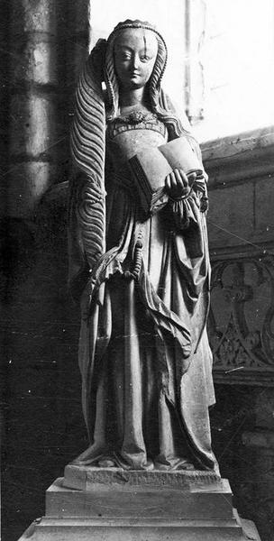 Statue : Sainte martyre