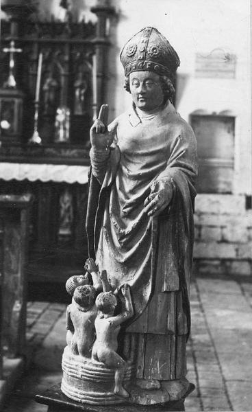 statue : saint Nicolas, vue générale