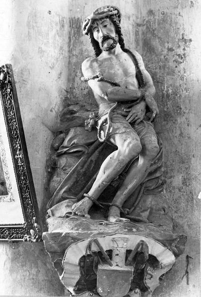 Statue : Christ aux liens et socle