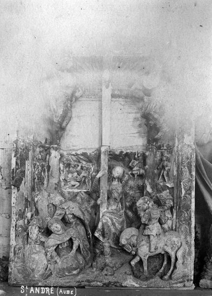 Haut-relief : Crucifixion