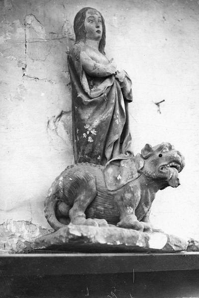 statuette : sainte Marguerite, vue générale