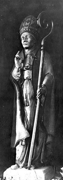 statue : saint Léger, vue générale