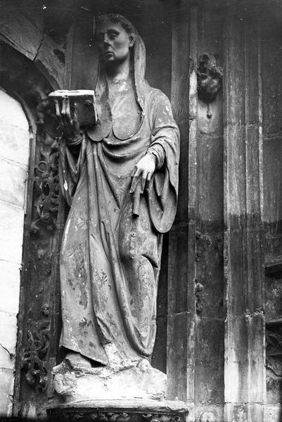 statue : saint Phal, vue générale