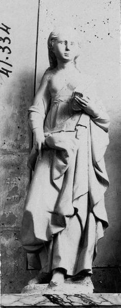 statue : sainte non identifiée, vue générale