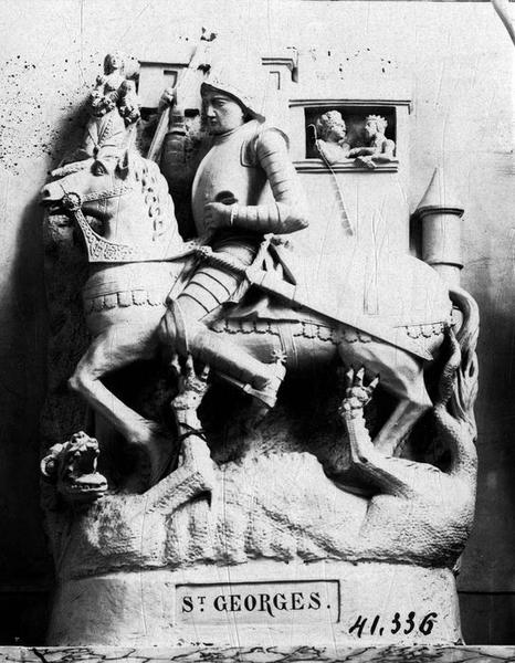 groupe sculpté : saint Georges, vue générale