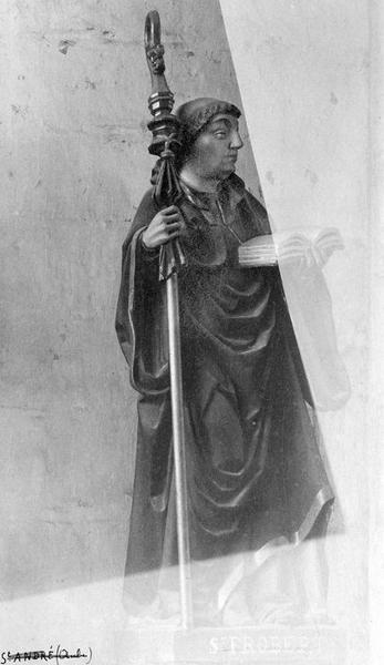 statue : saint Robert, vue générale