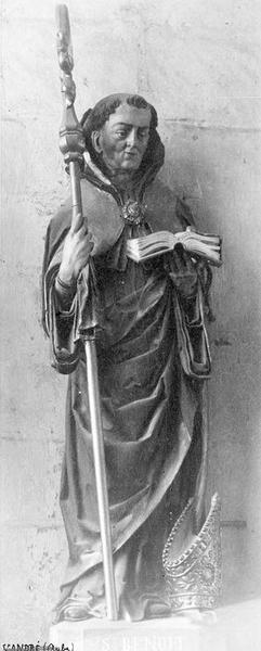 statue : saint Benoît, vue générale